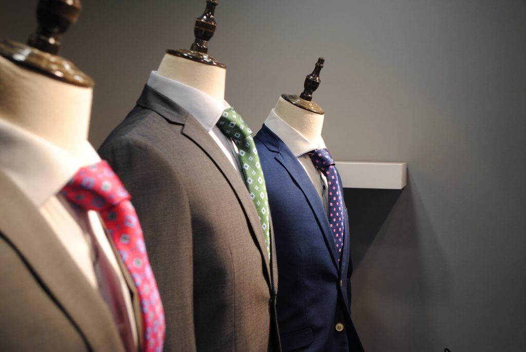 A Andorra algun lloc on comprar trajes es a dir vestits de senyor que estiguin bé de qualitat i a bon preu