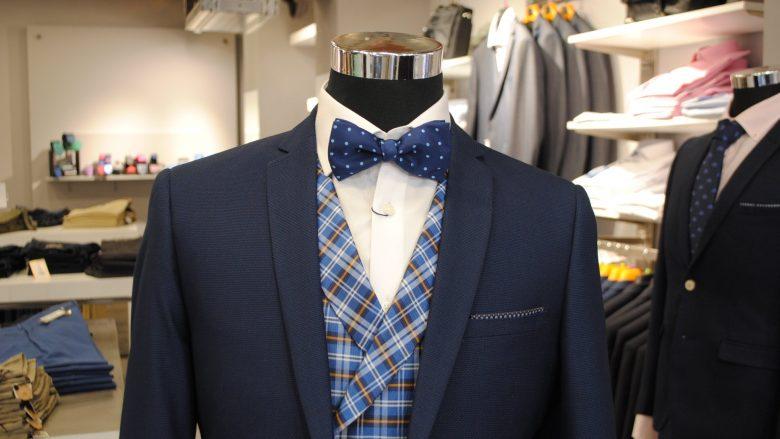 Ahora en la tienda de trajes de caballero Executive.And Andorra es posible conseguir el traje de caballero para su uso diario o para su evento o celebración a un precio increible.